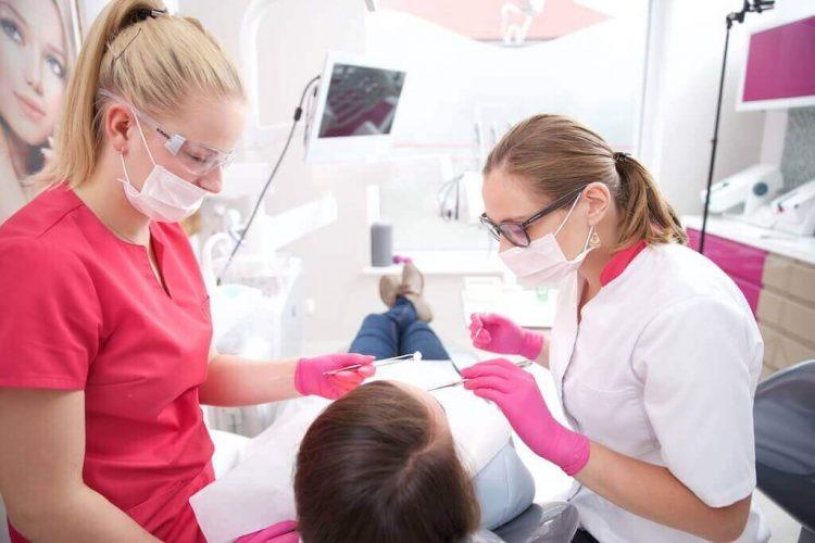 Zahnersatz im Ausland, guter Zahnarzt in Polen