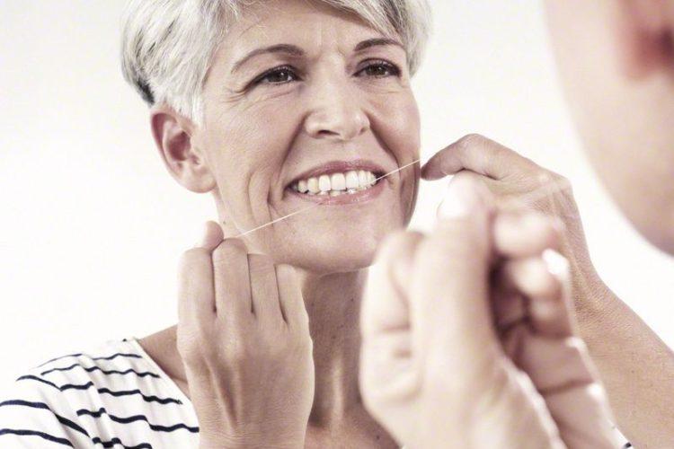 Neue Zähne machen lassen - komplett