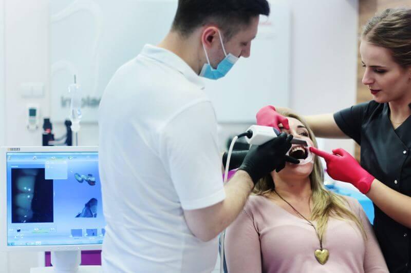 Digitaler Abdruck CEREC Zahnbehandlung